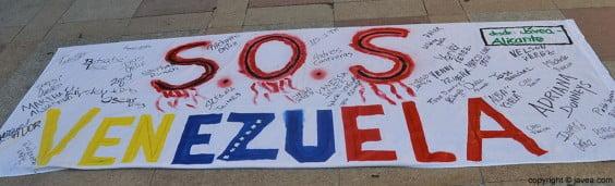 Los manifestantes iban firmando a medida que iban llegando
