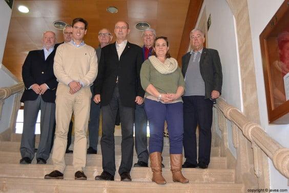 Miembros del Club Los Leones con Óscar Antón y Tere Bisquert