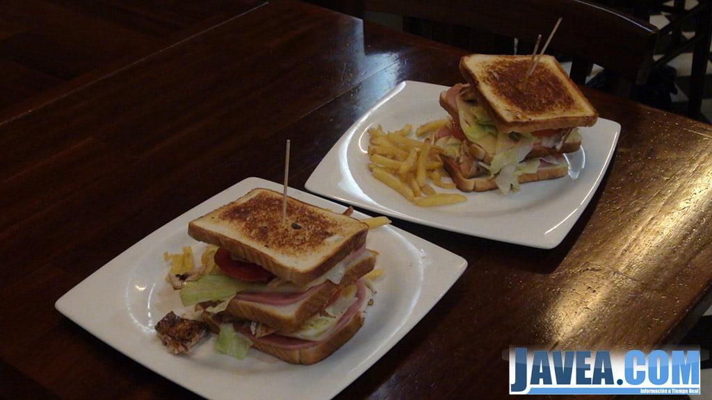 Varietat de sandvitxos a Bar Restaurant L'almadrava