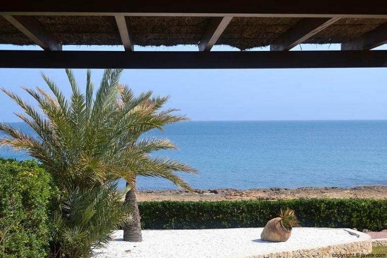 A escasos metros de la playa hay villas privadas que ofrecen espectaculares vistas