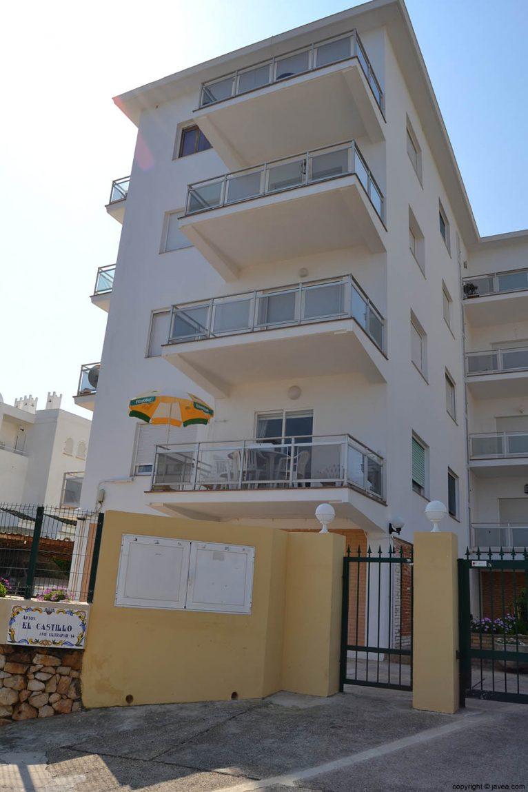 Apartamentos El Castillo en Jávea en la playa del segundo montañar