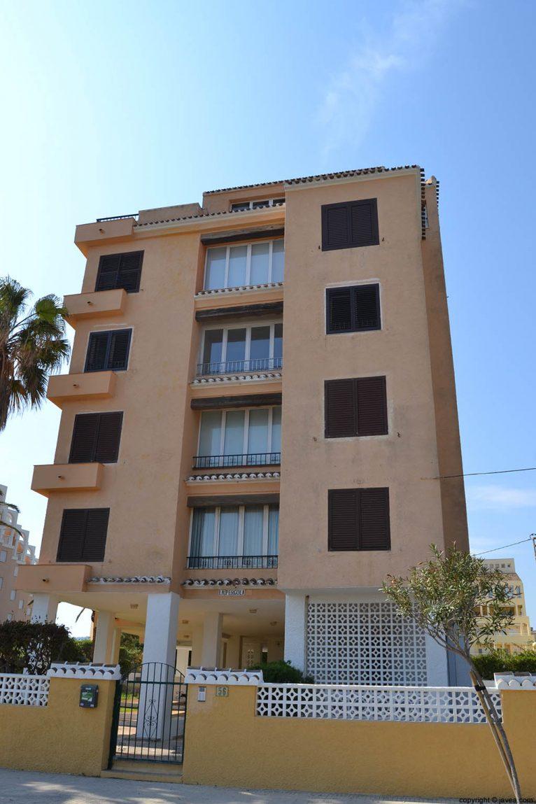 Apartamentos La Pergola en la playa del segundo montañar de Jávea