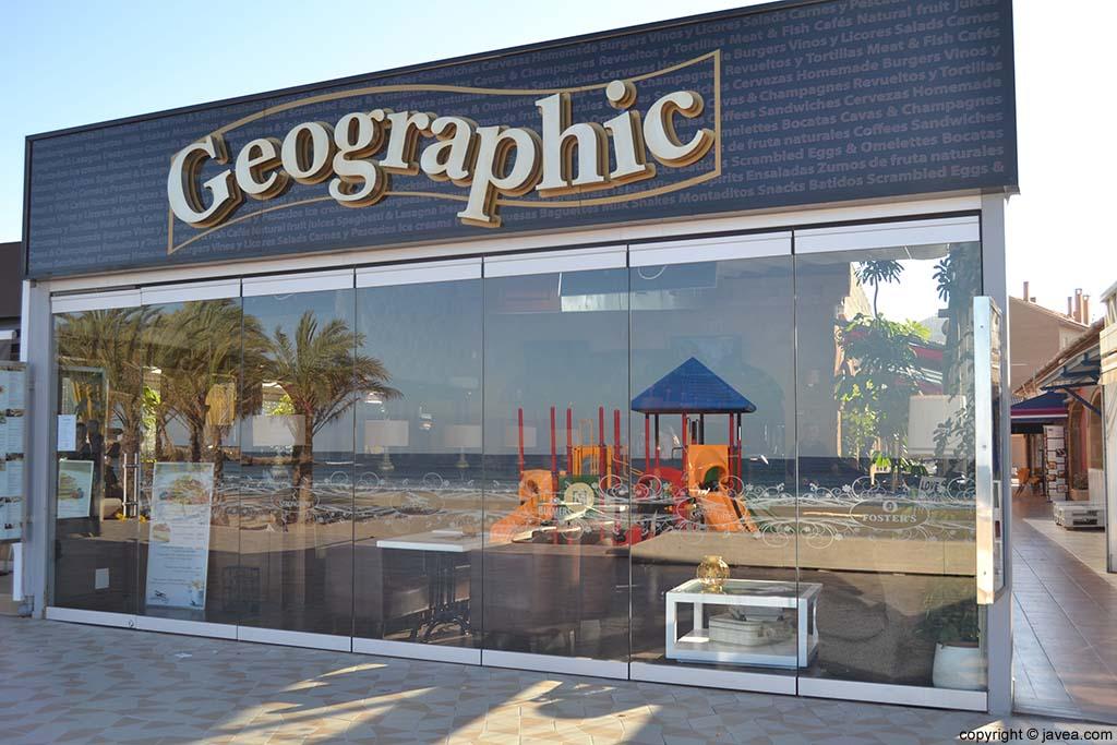 Bar Restaurante Geographic en la Playa del Arenal de Jávea