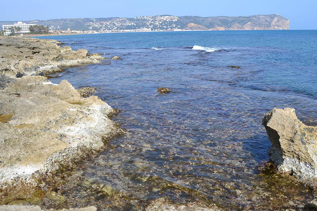 El cabo de san antonio de Jávea desde la playa del segundo montañar