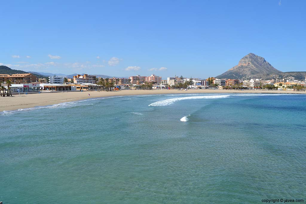 La única playa de arena en Jávea es la Playa del Arenal
