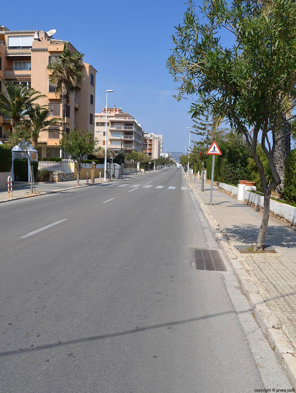 Los apartamento en la Avenida Ultramar solo tienen que cruzar para llegar a la playa