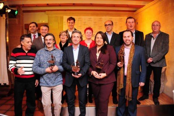 Representantes municipales, miembros de la ARX y premiados en la Gala de la Asociación de Restauradores de Xàbia
