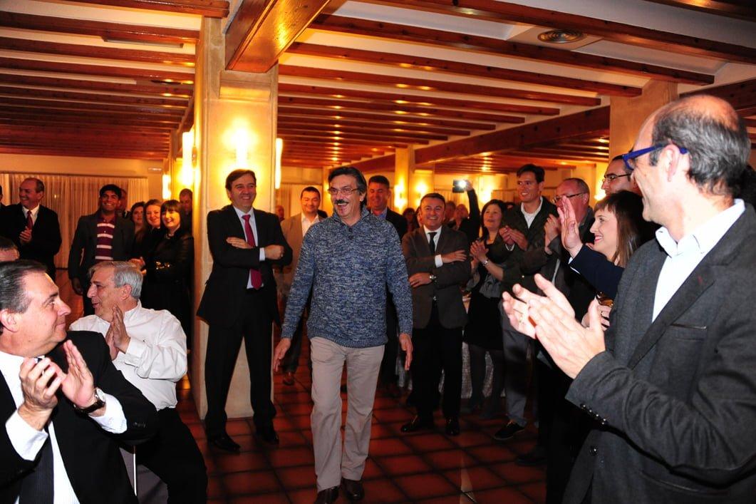 Salvatore Margheritina en el momento de recoger su galardón en los Salones Carrasco por la ARX