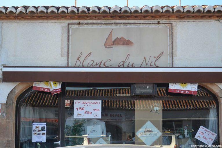 Tienda Blanc du Nil en la Playa del Arenal de Jávea