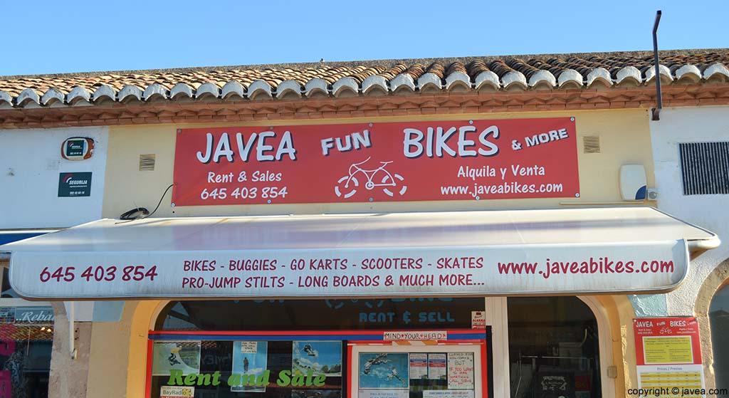 Tienda de alquiler de bicis Jávea Fun Bike en la Playa del Arenal