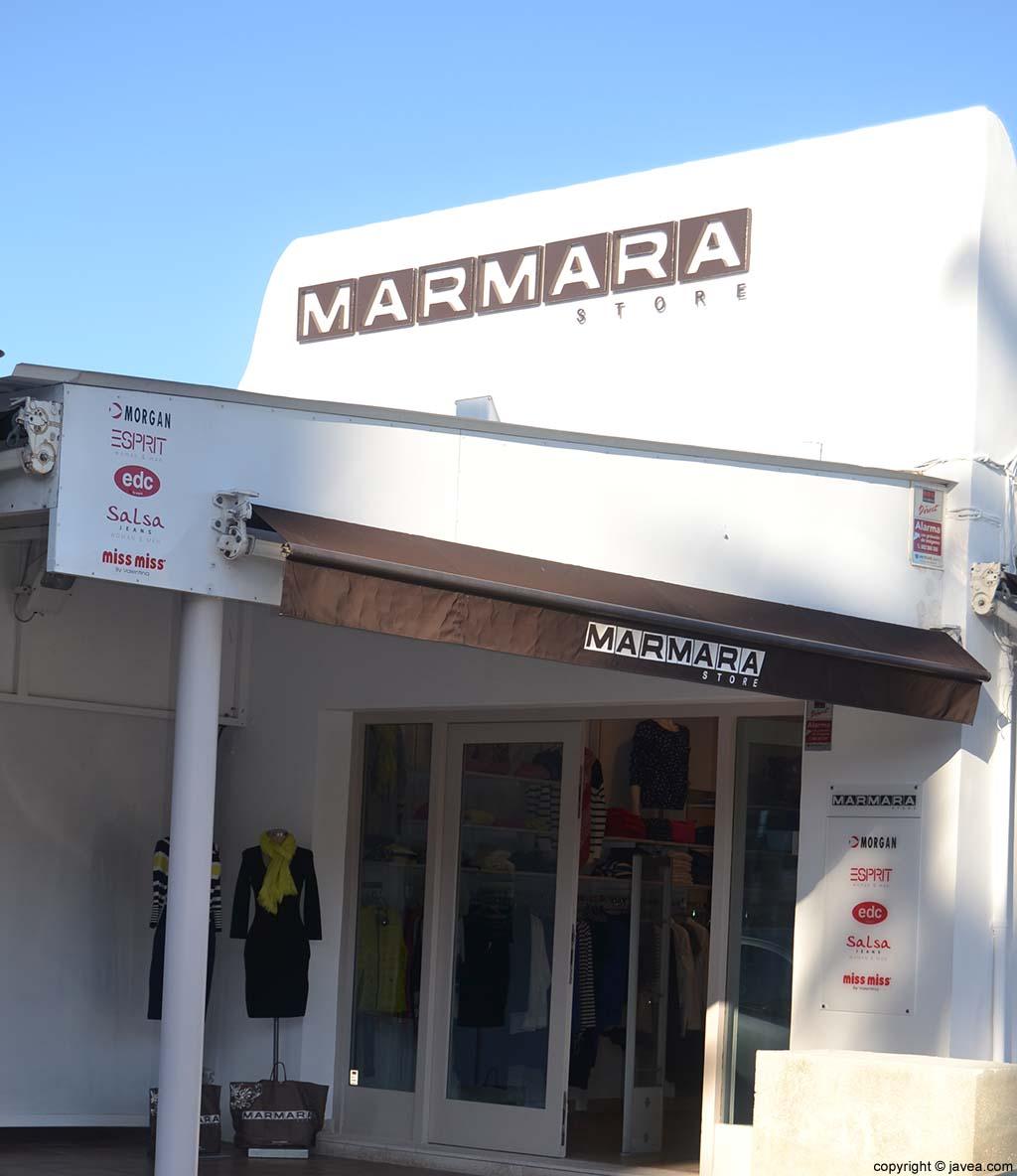 Tienda de ropa Marmara en la Playa del Arenal de Jávea