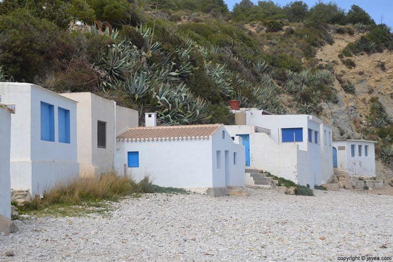 Antiguas casas de pescadores en la Cala del Portitxol de Jávea