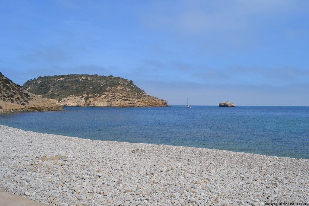 Illa del Portitxol y L'Illot del Portitxol desde la cala de la barraca de Jávea