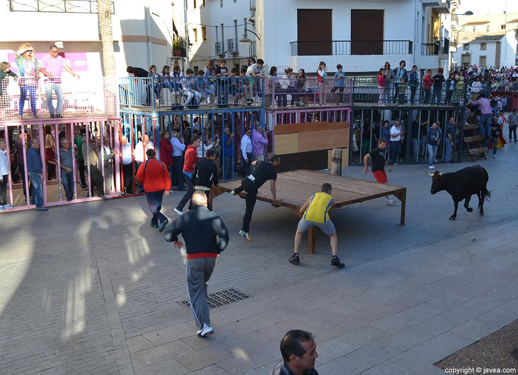 Las fiestas en honor a Jesús Nazareno en Jávea arrancan con els bous al carrer