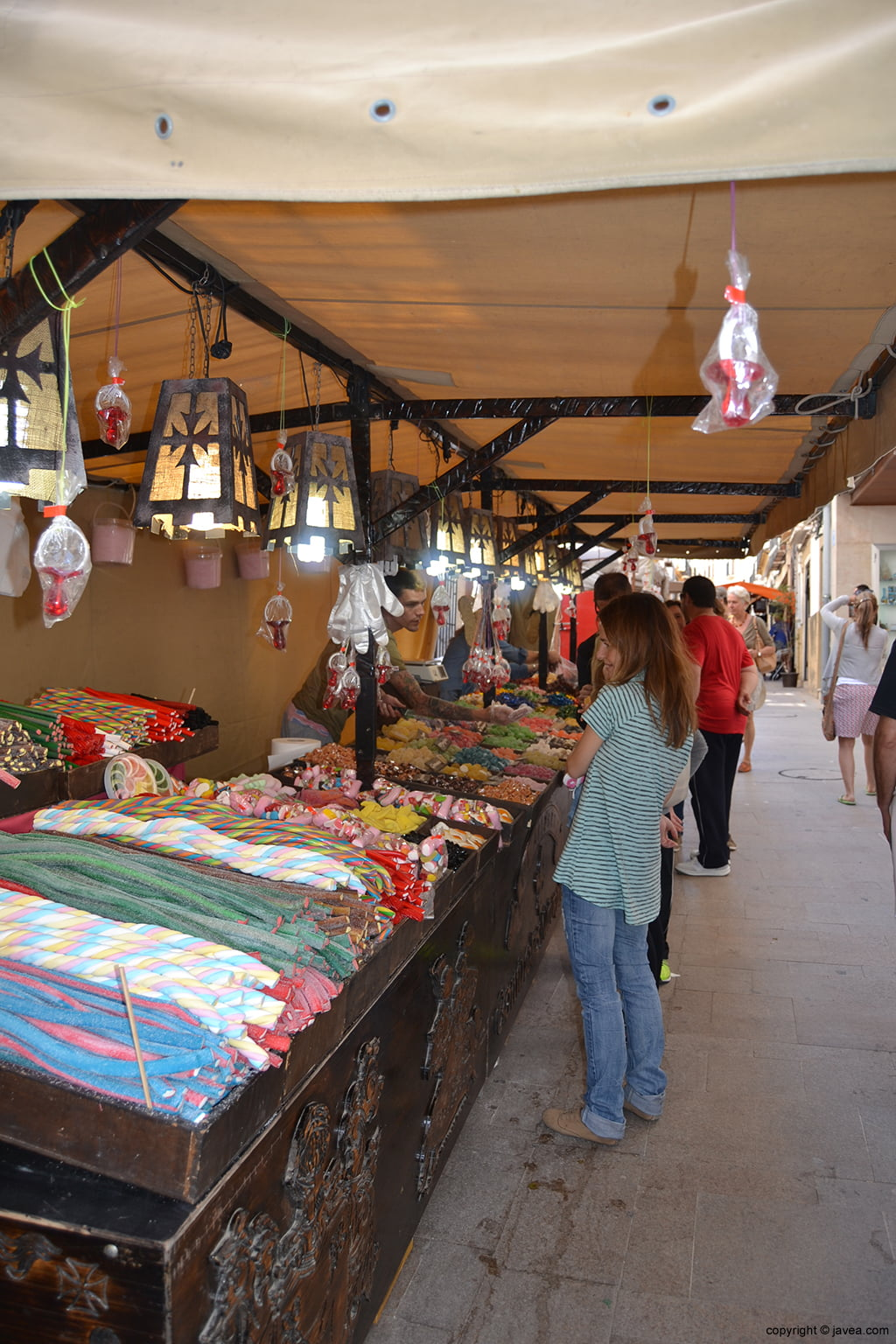 Puesto de gominolas artesanas en la Feria de Semana Santa de Jávea