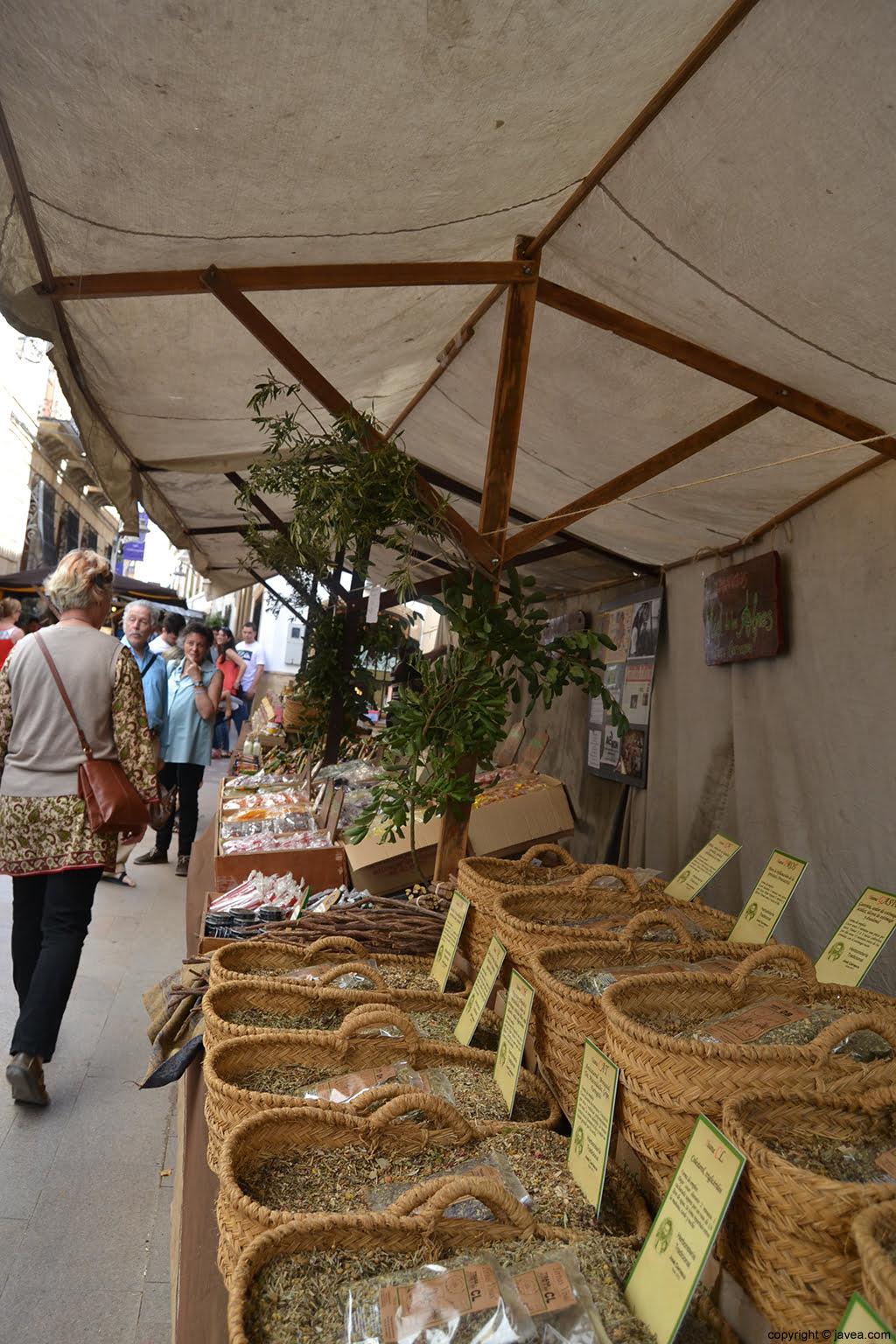 Puestos en la Feria de Artesanía de Semana Santa de Jávea