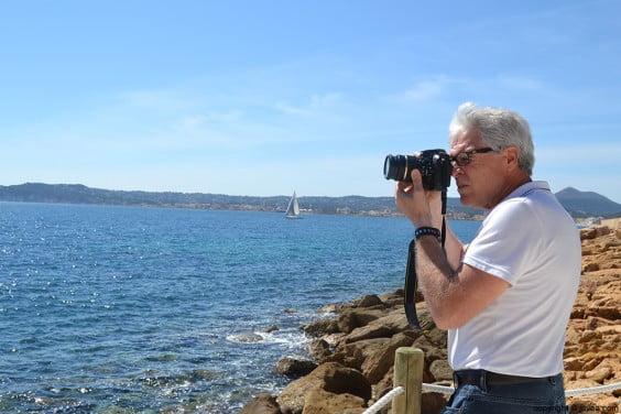 Vicente Domenech realizando fotos para su página Xàbia Maravellosa