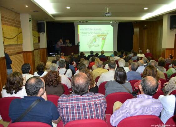 Casa de la Cultura en Jávea en la explicación del estudio de viabilidad de reordenación del puerto de Jávea