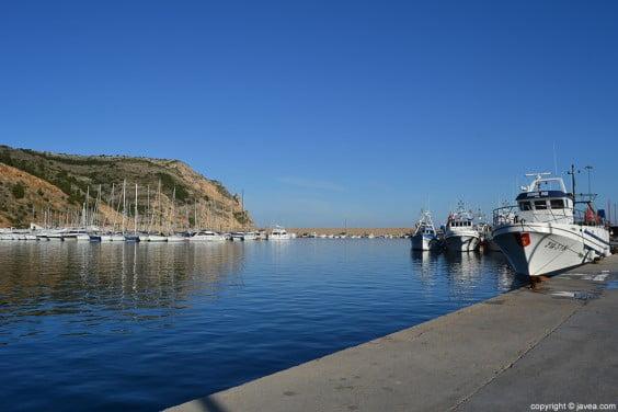 El Ayuntamiento de Jávea celebra una reunión informativa sobre la reordenación del Puerto de Jávea