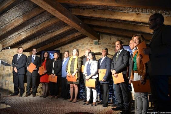 Los alcaldes y alcaldesas de los municipios de la Marina Alta participantes en la ruta dels riuraus