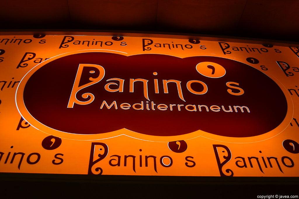 Bar Panino's en la playa del arenal de Jávea