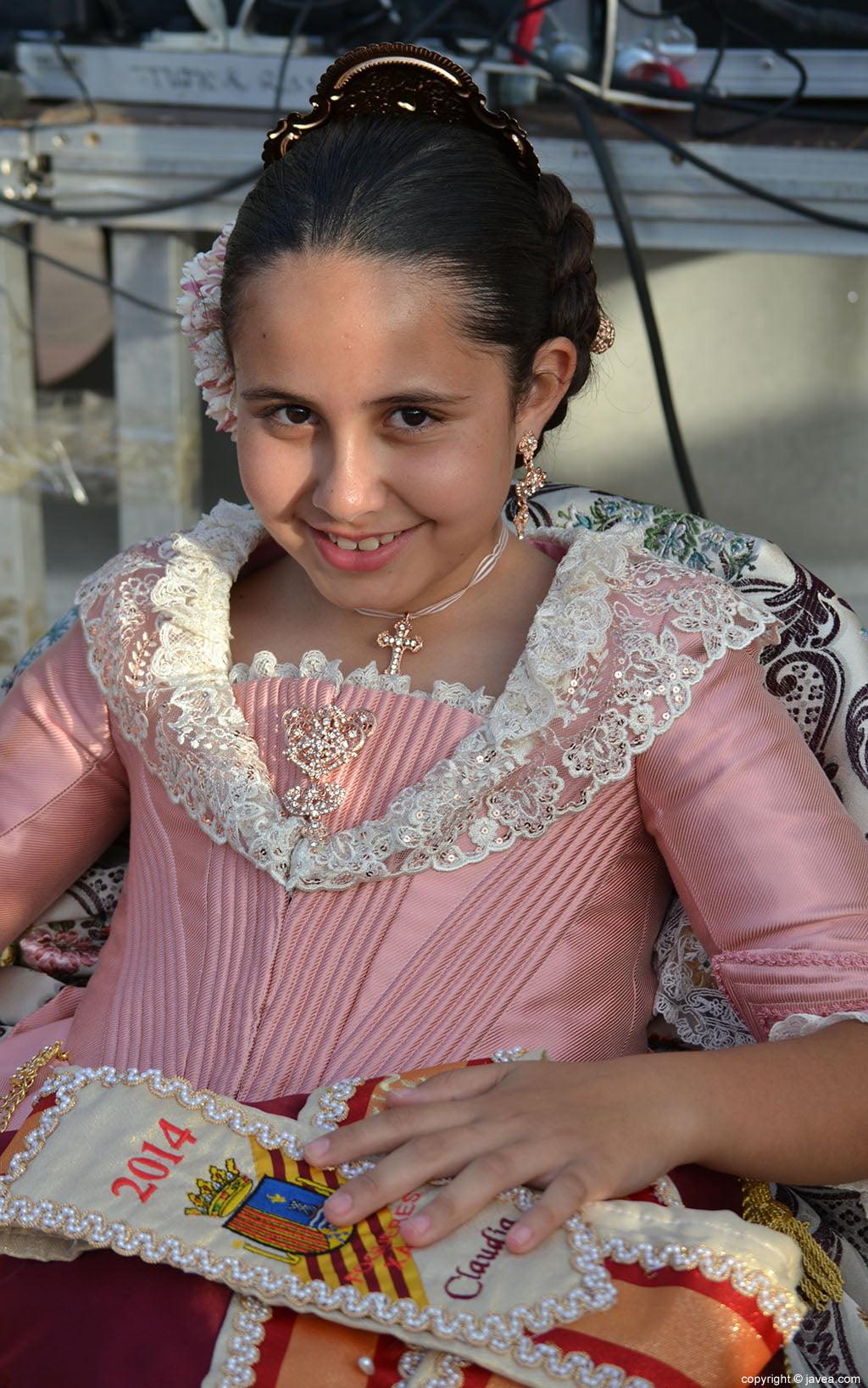 Claudia Sánchez Tachó antes de su proclamación como reina infantil de Fogueres 2014