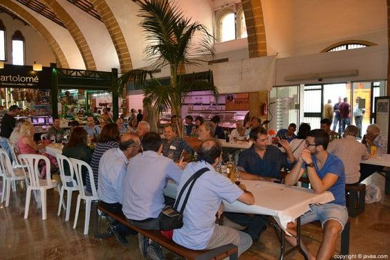 Concurso de vinos del terreno en el Mercado Municipal