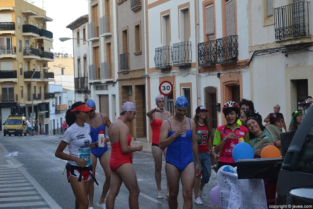 Desfile de carrozas de peñas Jávea