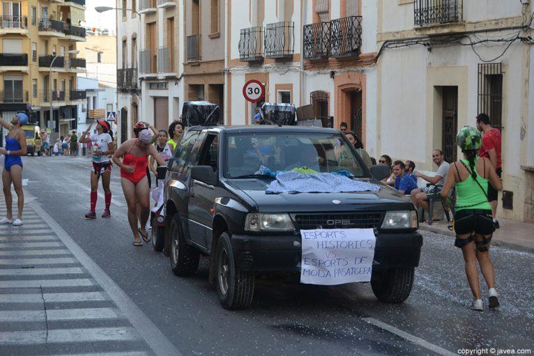 Desfile de penyes santjoaneres de Xàbia