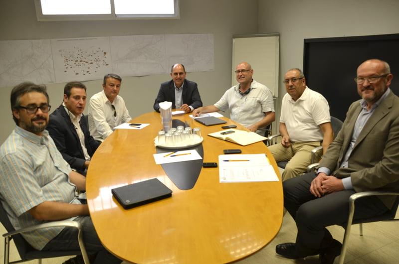 X bia se re ne con los municipios del sur de la comarca for Pavimentos y suministros del sur