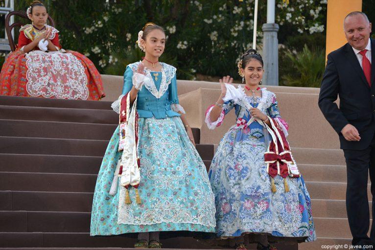Laura Calavia Zellinguer y María Buigues De Tapia miembros de la Comisión Juvenil de Fogueres 2014