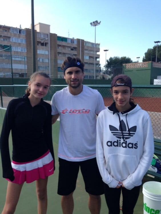 Laura Pellicer, a la izquierda,  junto con el tenista de Jávea David Ferrer