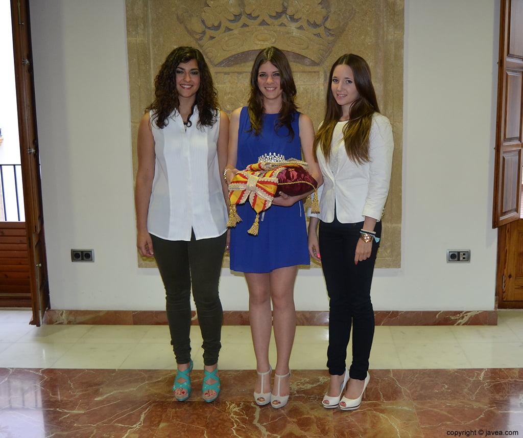 Lucía Andrés, Mar Bisquert y Berta Lucas, reina y damas de la quintà 2014
