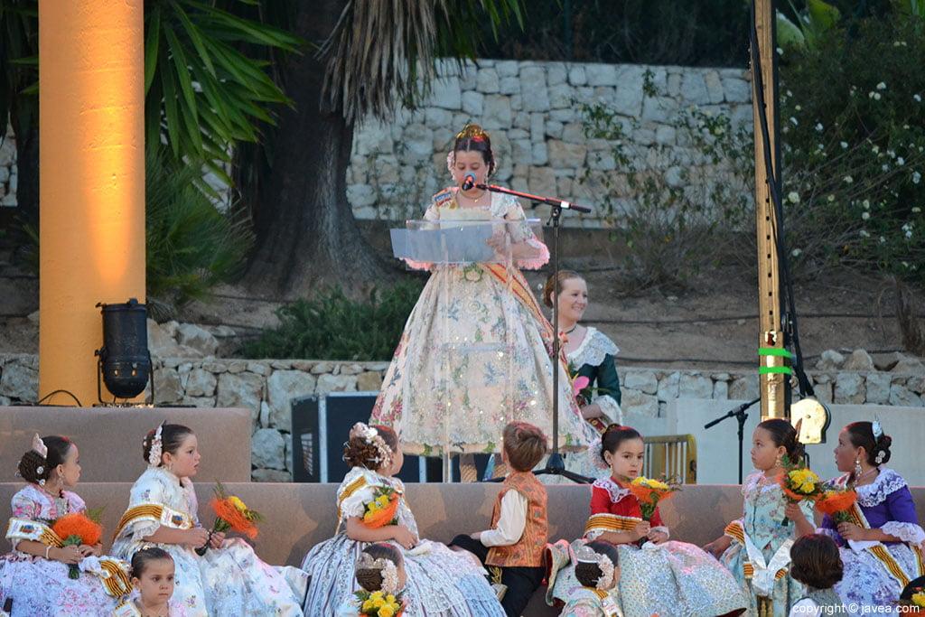 Olivia Clemente Ferrándiz en su discurso de despedida como reina de 2013 de Fogueres de Sant Joan
