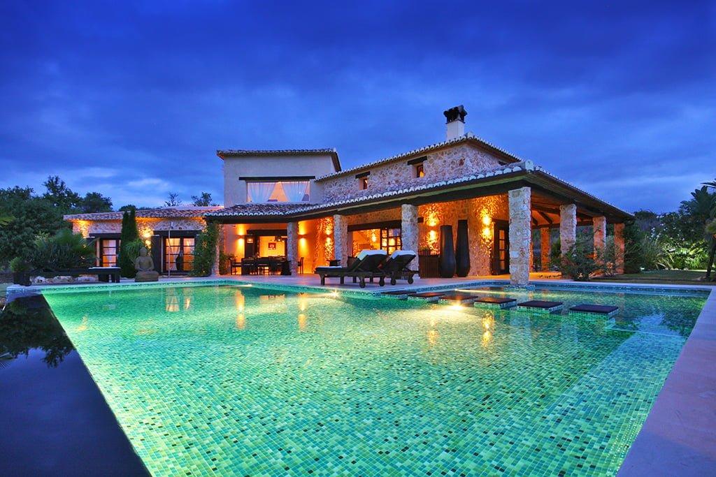 Propiedad de la inmobiliaria Aguila Rent a Villa en Xàbia