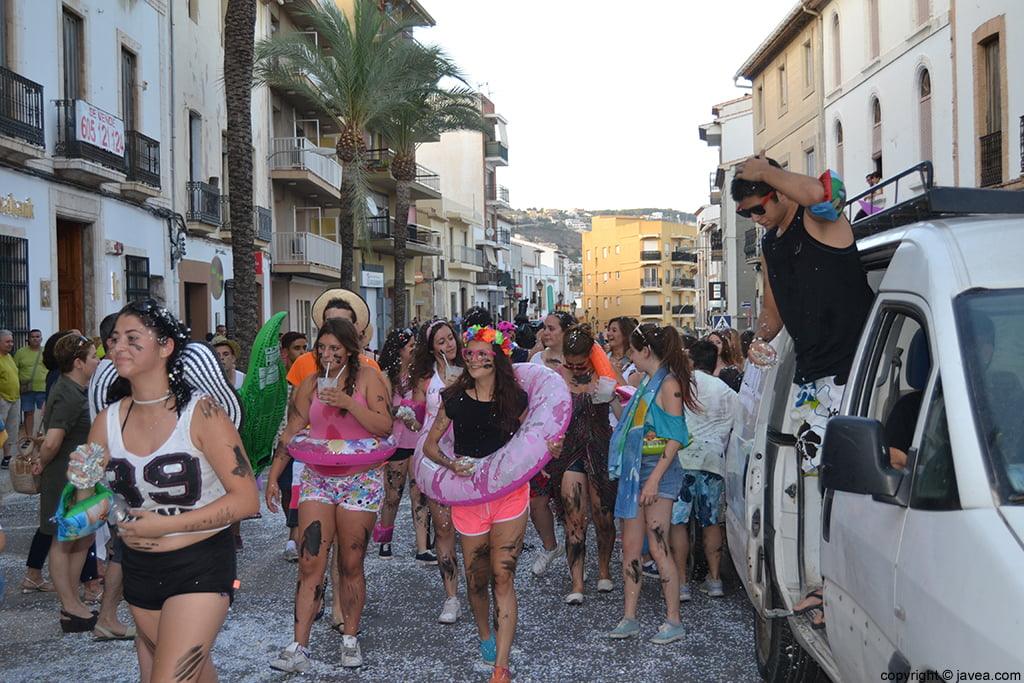 Quintos del 2014 durante el desfile de peñas