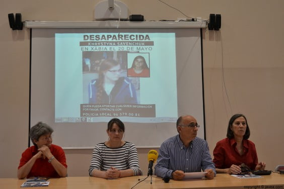Representante del AMPA del IES Nº1, la madre de Kristina, Vicent Chorro y Empar Bolufer