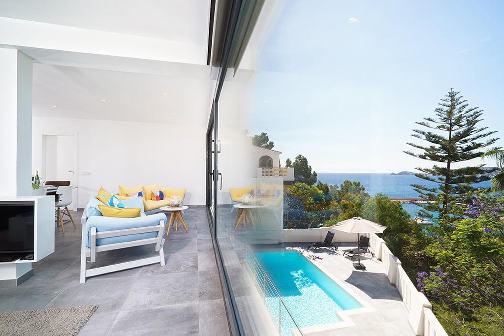 Vivienda con grandes vistas en Aguila Rent a Villa