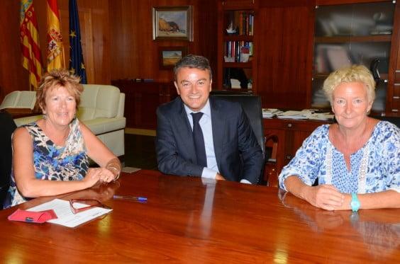 El Ayuntamieno firma un convenio de Colaboración con APASA