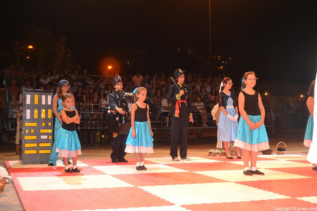 Fichas negras durante la representación