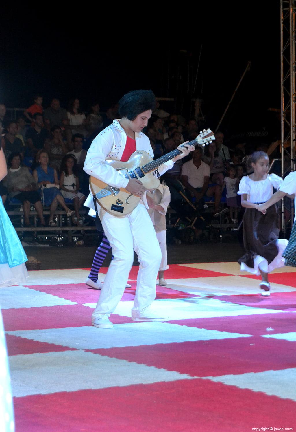 Rey blanco interprentado a Elvis Presley el rey del rock