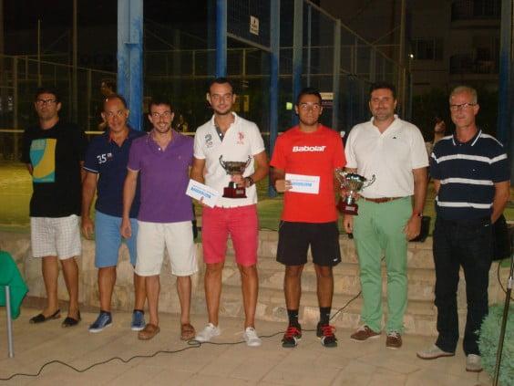 Carlos Giner y Álex Garcia campeones de 1ª categoría de Pádel