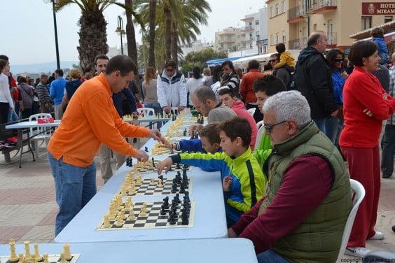 Simultáneas de Ajedrez durante la celebración del Mig any de baret de bous