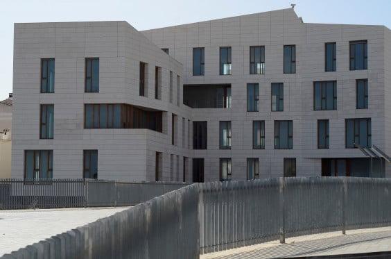 Edificio del Portal del Clot para las nuevas dependencias municipales