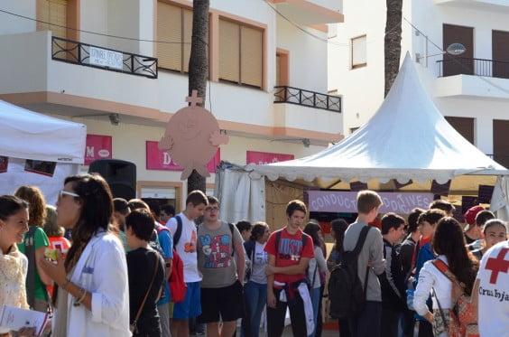 Los escolares han sido los primeros en visitar la muestra