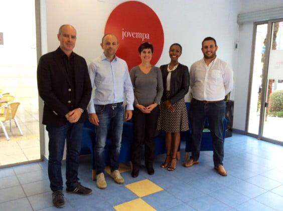Mujeres Emprendedoras de Jávea y la asociación de Jóvenes Emprendedores de la Marina Alta firman un convenio de colaboración