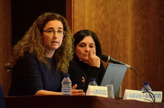 Sara Gayà, fiscal del Jugazdo de la Mujer de Dénia durante la conferencia impartida en la Casa de la Cultura