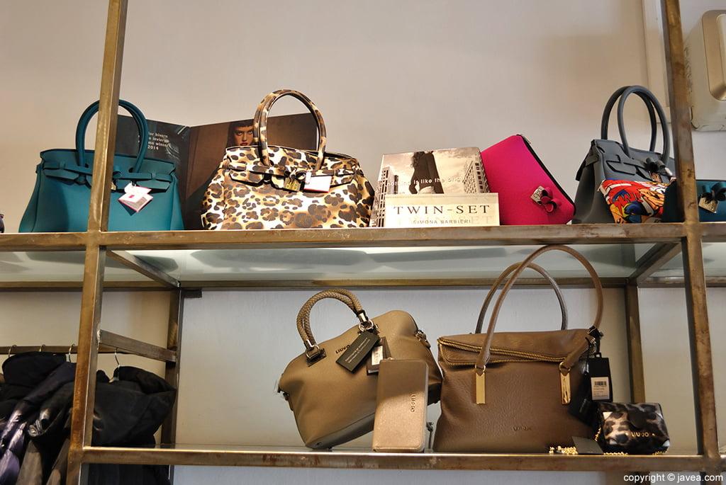 Bolsos de todos los tamaños, clases y estilos