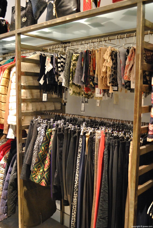 Faldas, pantalones, vestidos, prendas de abrigo… ¡todo eso y mucho más en Pepa G!