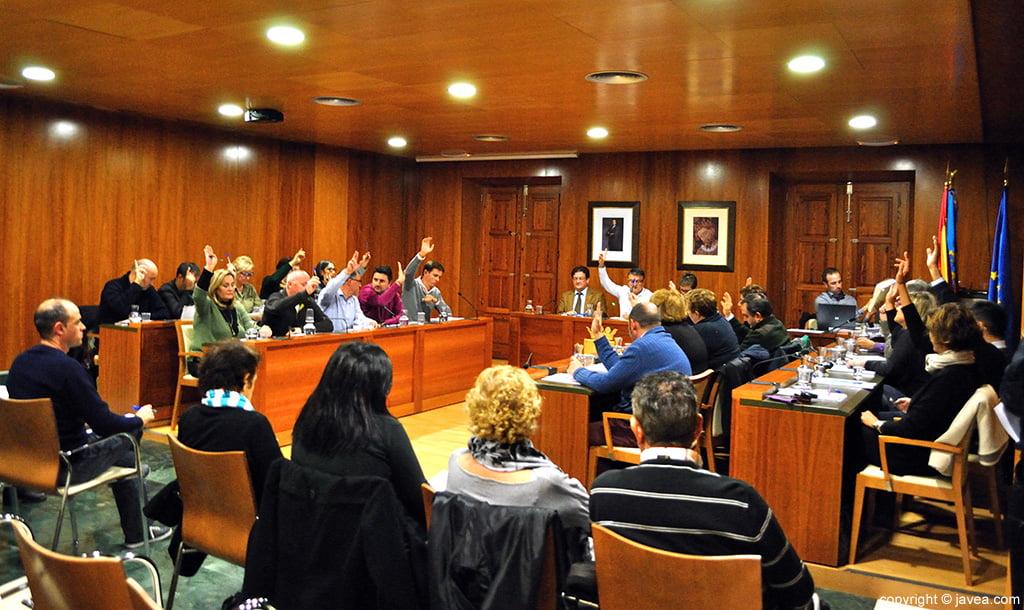 El pleno del Ayuntamiento aprobó las alegaciones presentadas respecto al proyecto del faro